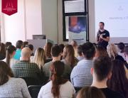 """Ivan Bildi i tema """"Kako plasirati proizvode/usluge na tržište primenom digitalnog marketinga?"""" u Kreativnom centru"""